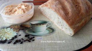 Skvelá bryndzová nátierka – zdravé raňajky i večera. Jednoduché ako facka.