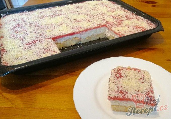 Osvěžující zmrzlinový koláč SNĚHURKA bez pečení